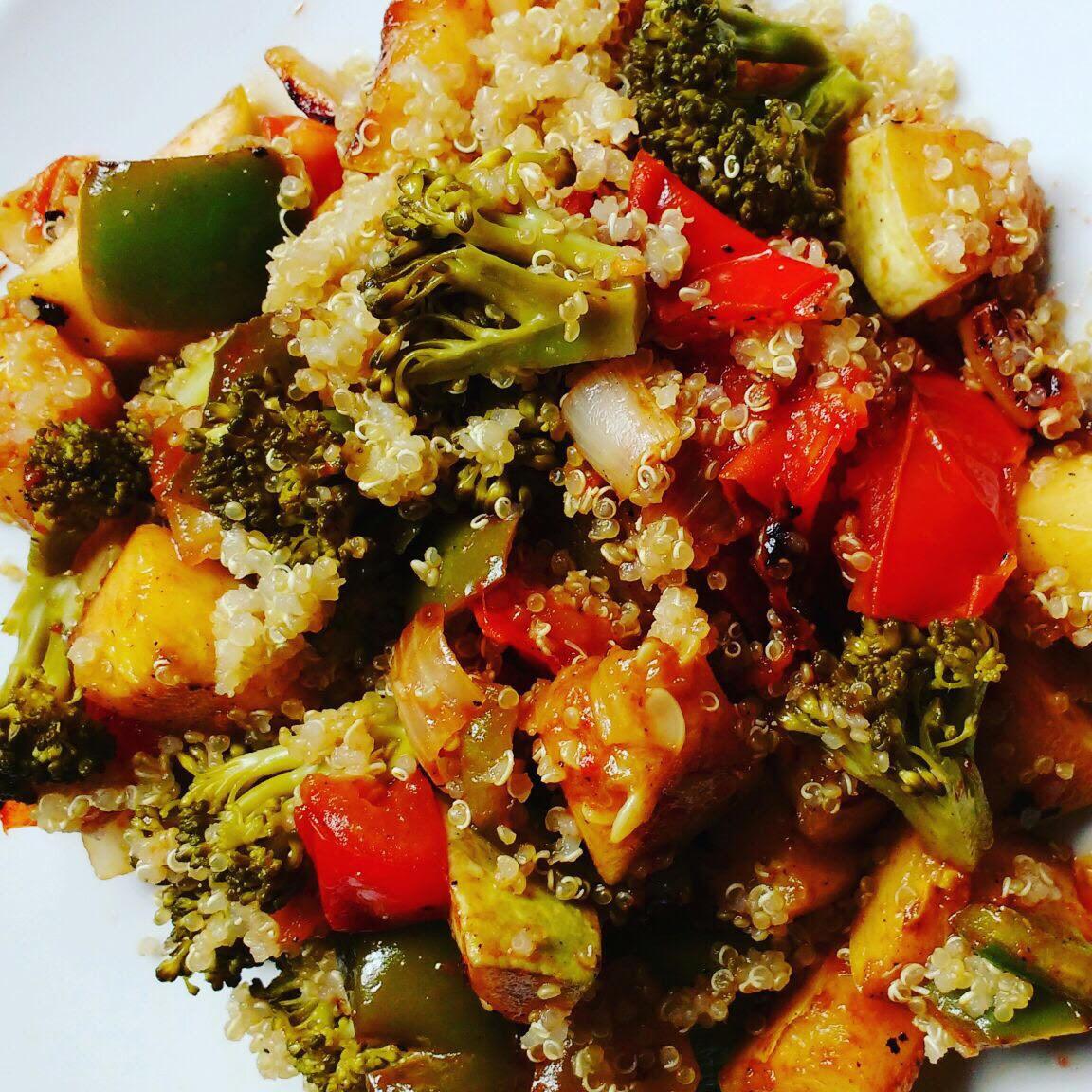 Ensalada de Quinoa y Vegetales Asados